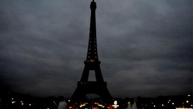 Torre Eiffel Apagada
